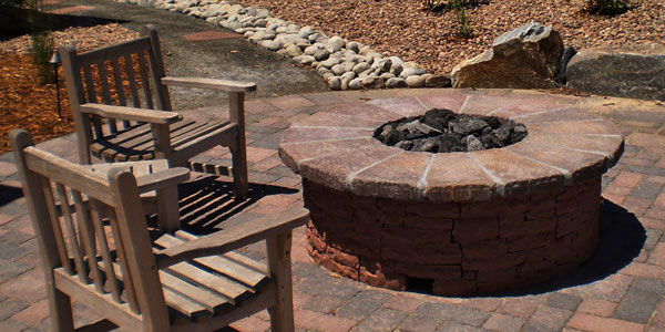 Backyards Plus is Denver's natural gas fire pit experts.