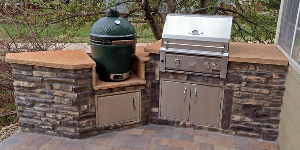 Denver outdoor kitchen with big green egg smoker by Backyards Plus.