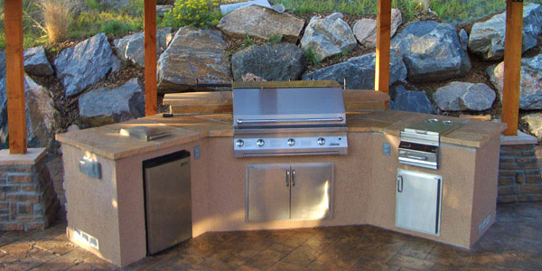 Outdoor kitchen designers Evergreen, CO.