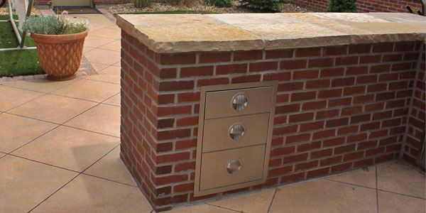 Denver outdoor kitchen with brick finish.