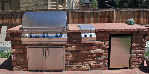 Denver, CO outdoor kitchen installers.
