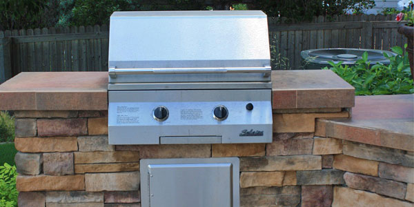 Custom outdoor kitchen builders in Denver.