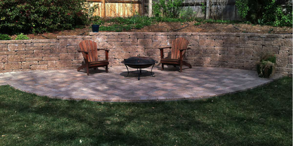 Backyard Colorado paver patio.
